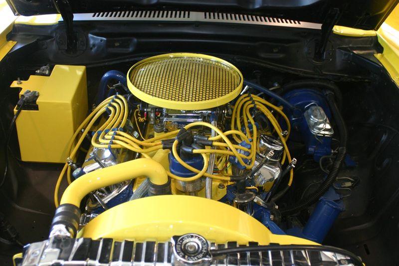 Le moteur V8 « Roush » de 5.0 litres développe plus de 400 chevaux