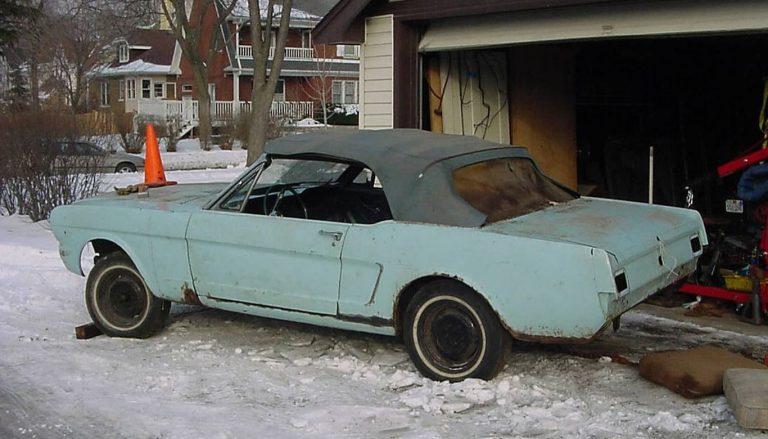 Avant la restauration, plusieurs éléments étaient en très mauvais état, le véhicule ne roulait effectivement plus depuis de nombreuses années.