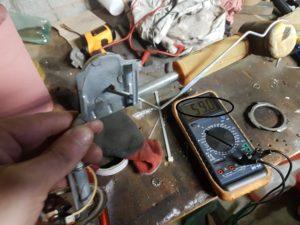 Reservoir vide : tordre la tige pour avoir 70 non 59 ohms en butée basse.