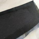4. Bien tendre le vinyle sur la partir supérieure et retourner la planche